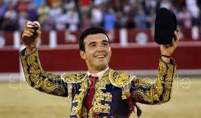 Cristian Pérez con trofeos